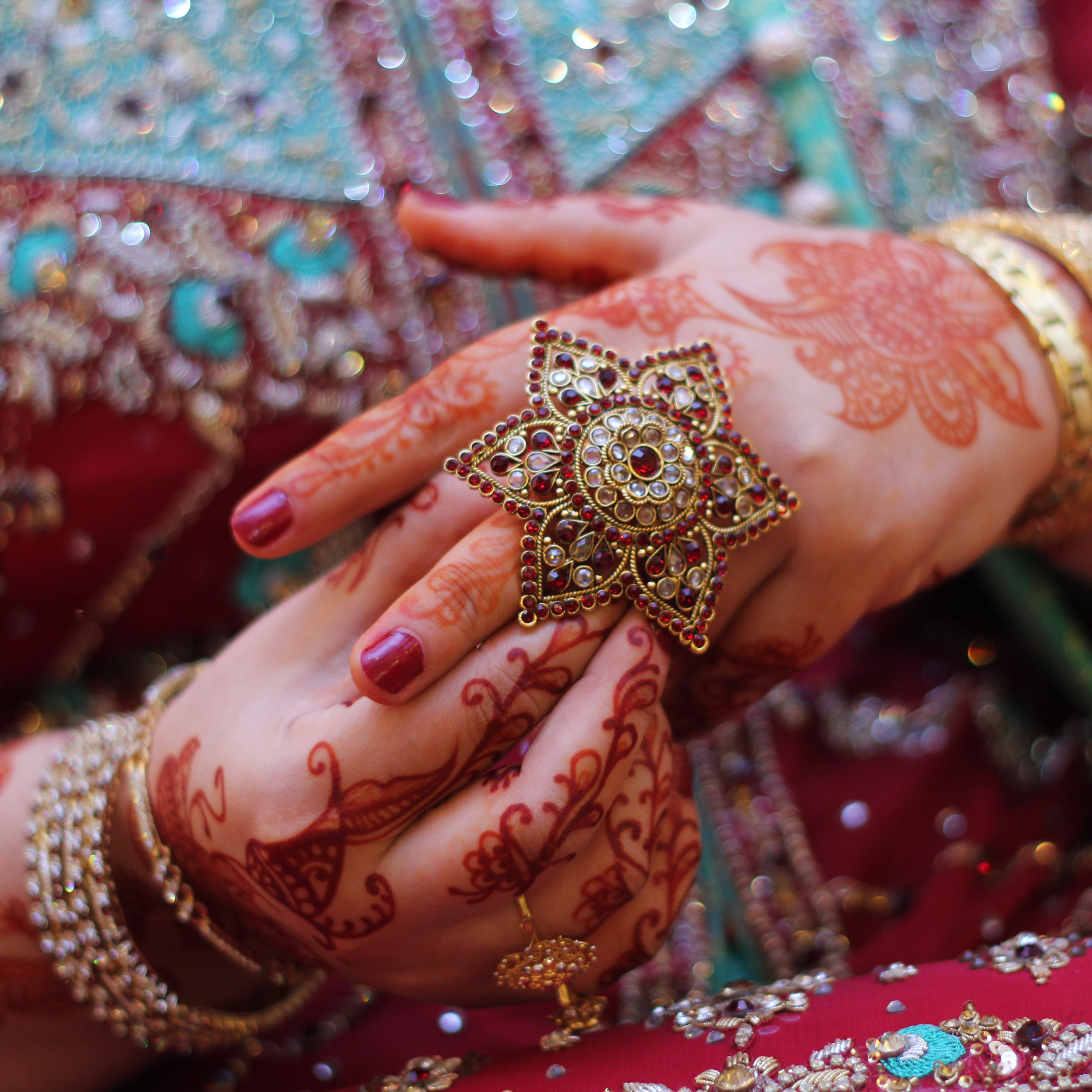 amber-indian-bridal-henna2-silknstone.jpg
